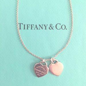 Tiffany Co beautiful double heart pendant necklace